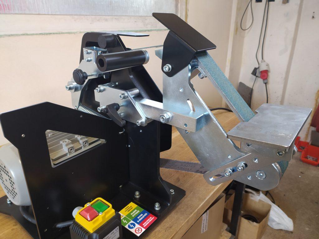 Kvalitní pásová bruska pro nožíře, kováře a další _4